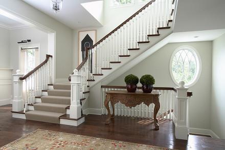亮白的欧式风格楼梯效果图