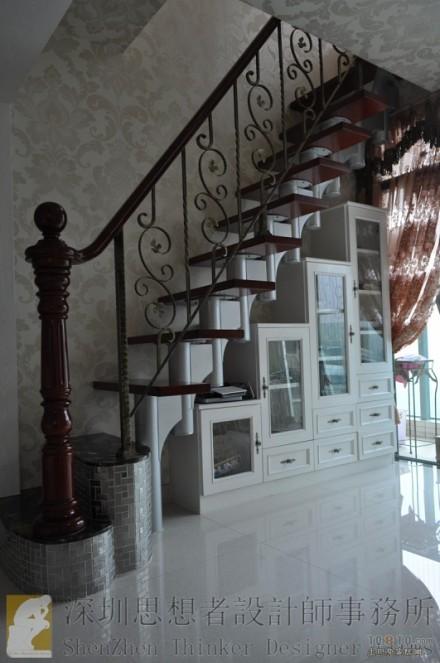 现代欧式铁艺扶手楼梯效果图